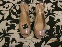 WEDGE HEEL OPEN TOE SLING BACK SHOE NATURAL COLOUR SIZE 8 BY GEORGE NEW WITH TAGS