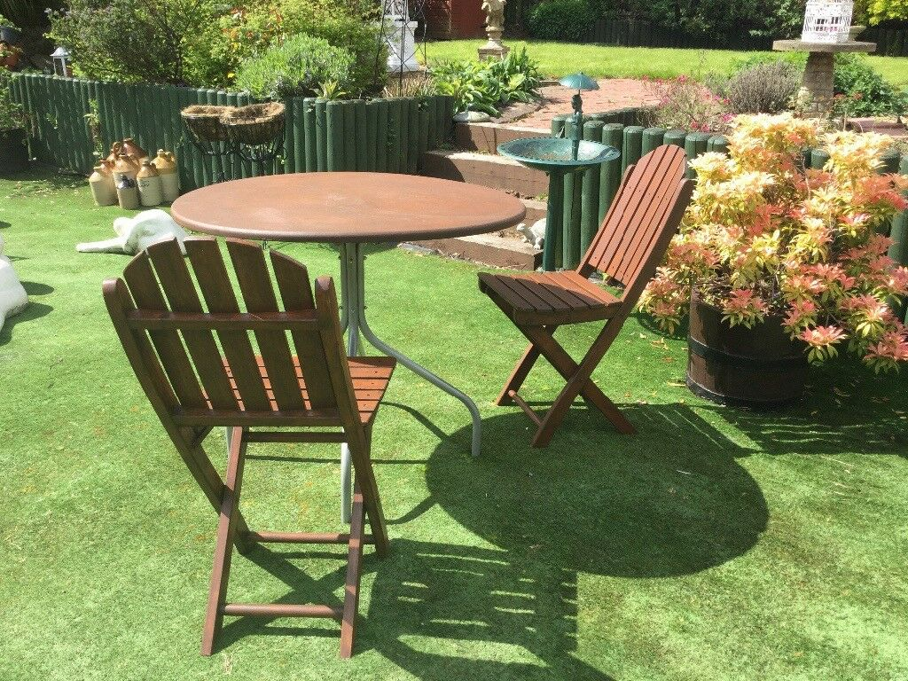 Patio wooden top table 2 wooden folding chairs table measurements height 29 5in 35 5cm
