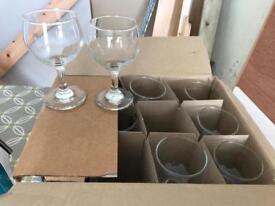 9 x small wine glasses