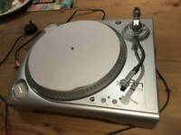 Ion iTTUSB Turntable. Can be used to digitise vinyl or simply use as a turntable