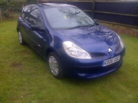 NEW SHAPE CLIO 1.4 LOW MILEAGE NEW MOT