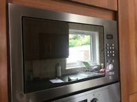 Hotpoint 900w stainless steel built-in microwave with grill -
