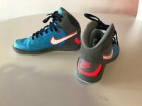 1 Pair of Nike Force Trainers size 6 only worn twice in excellent condition