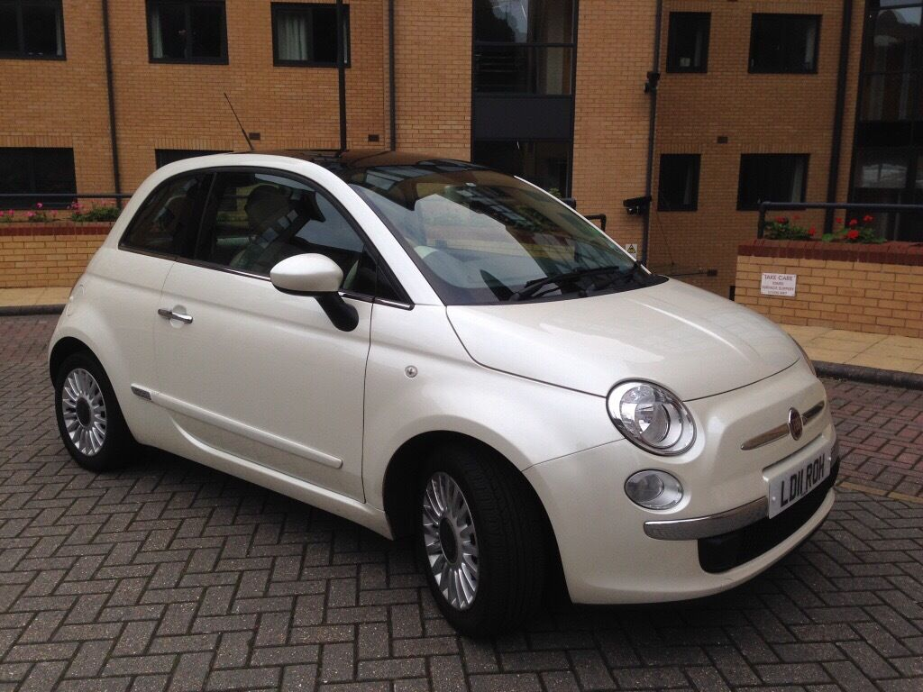 fiat 500 1 2 lounge lovely pearlescent 39 funk 39 white colour in bournemouth dorset gumtree. Black Bedroom Furniture Sets. Home Design Ideas