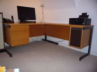 High quality desk with side return, great for home office/homework/business use