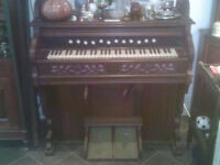 1890s harmonium great condition in working order.