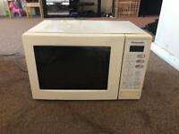 Panasonic white microwave 800W