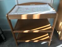 Baby changing table by kub