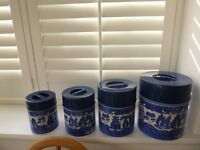 SET VINTAGE KITCHEN CANISTERS TINS BLUE WILLOW 70's