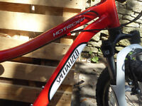 Lovely Specialized Children's Hotrock 20-inch bicycle, red. Ideal for 6-10 year olds.