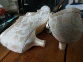 Wedding shoes small heel size 7 Elegant Park