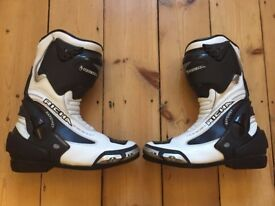 Richa Ratchet Boots size 10 / 44