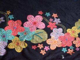 Poncho - wool - woman - flowers details