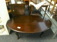 Oval coffee table with Queen Anne legs #26997 £29