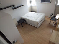 Fantastic Views - Lovely Large Double Room - Available Mid December
