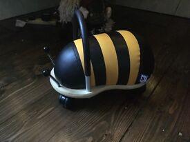 Bumble bee wheely bug - small