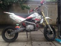 125cc dirtbike. 4months old!!