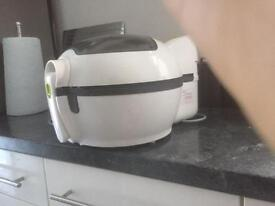 Tefal 1Kg Actifryer. Original box, Only Twice in excellent condition.