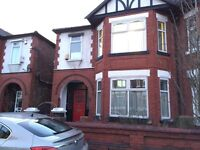 Bed rooms in shared house, Kensington Avenue, VP,University, City Centre,Transport Double beds,