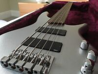 Silver Ibanez Bass Guitar With Hard Case SDGR SR305DX5 - GREAT Condition