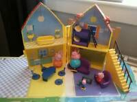 Peppa pig fold up house