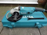 "MAKITA GA9020KD 110V 9""/230MM ANGLE GRINDER + CASE & DIAMOND WHEEL GA9020, AS NEW"
