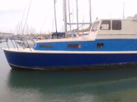 Cosy static houseboat reduced to £25000