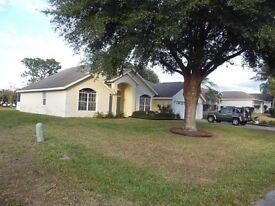 ORLANDO FLORIDA - 4 BEDROOM HOME FROM HOME VILLA NEAR DISNEY - GAMES ROOM AND INTERNET ETC