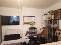 DOUBLE ROOM TO RENT FOR SINGLE PERSON NEAR BARKING STATION IG11 8RA- ALL BILLS INCLUDED