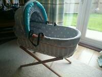 BABY K MOSES BASKET & STAND
