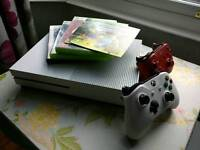 Xbox One S 500gb - 2 official controllers - 4 games - full boxed as new