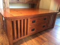 Table coffee table lovely condition
