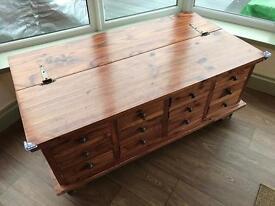 Apothecary chest/ottoman