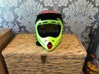 Fox v4 carbon helmet