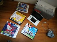 Nintendo 3DS Console (Used but great condition) plus 4 games inc Super Mario Bros and Pokemon