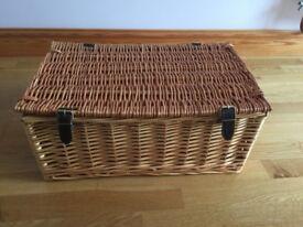 New Wicker Picnic/Sewing/Hamper/Storage Basket
