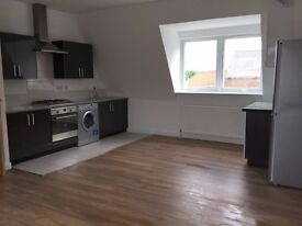 Set within a secure gated mews a lovely two bedroom ground flat on the trendy Chatsworth E9!!!!!!!!