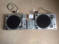 2 X Kam DDX750 Turntables & Kam GM25 Mixer