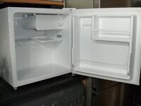As New –Tabletop fridge (white). Immaculate condition as only used while awaiting a new F/Freezer.