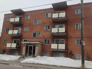 ALL INCLUSIVE 1 BED IN CENTRAL LOCATION! 14- 56 Lansdowne St