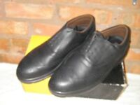 Mens New Black Brogue style safety shoes size 11.