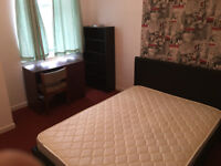 Large room,good for students & couple,close to Uni and hospital.Refurbished house. Start from £97p/w