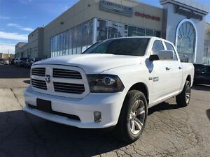 2016 Ram 1500 Sport Crew Cab 4x4 - Only 5077 kms !!