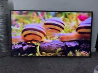 Samsung 43 inch 4K Smart QLED TV with Apple TV app Freesat