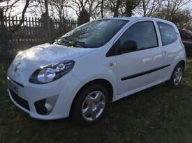 FOR SALE Renault Twingo 2010(60) White 37000 miles