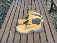 Forma safety work boots size7 new never worn comfy light boots ideal for every day wear £28