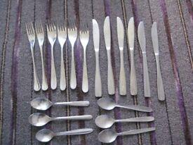 6 Stainless Steel Dinner Forks, 6 Dinner Knives and 6 Teaspoons for £7.00