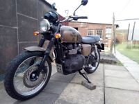 Triumph Bonneville - T140 - Street Scrambler Road Bike-900cc- 2013 - Low Mileage