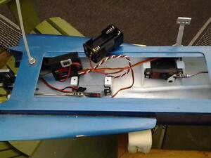 RC 3.5 Hawk outrigger Hydroplane London Ontario image 8