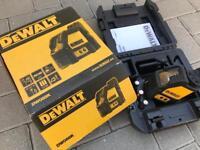 Brand new DEWALT 10M SELF LEVELLING LINE LASER DW088K ( makita milwaukee festool hilti paslode fein